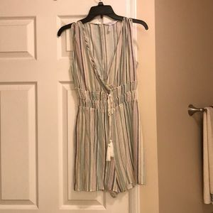 BCBG adorable romper